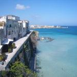 Vista mozzafiato del mare in Puglia