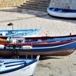 Foto di barche colorate della Puglia